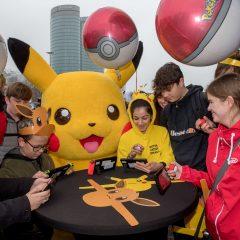 Pokémon Battle tussen Pikachu en Eevee brengt fans naar Utrecht